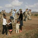 01CAMINATA DE NAAMACHA A UN POBLADO EN LA FRONTERA DE SWAZILANDIA (5)