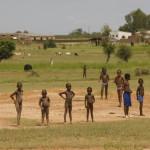 NIÑOS SENEGALESES EN LA FRONTERA DE SENEGAL CON MALI