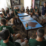 Clase con la profesora de cooperacion. Photo by Jose L. Cuesta