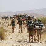 Marcha desde el campamento hasta los autobuses en Immaouine