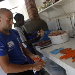 Expedicion Madrid Rumbo al Sur 2011 Preparando la comida